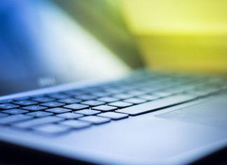 Czym się kierować wybierając laptopa do internetu, pracy i gier wideo?